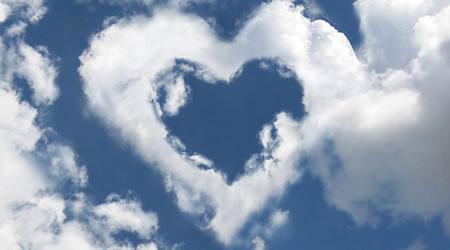 經典感情短文愛情語錄:山水相隔愛無言,天涯相望情久遠【經典語錄網】