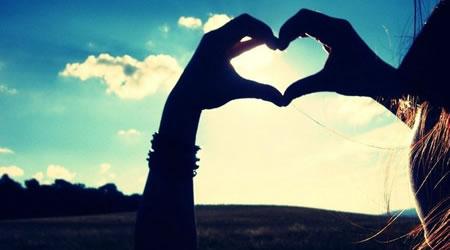 25個經典愛情語錄:愛情的世界是孤獨的,無奈相思,一卷紅塵【經典語錄網】